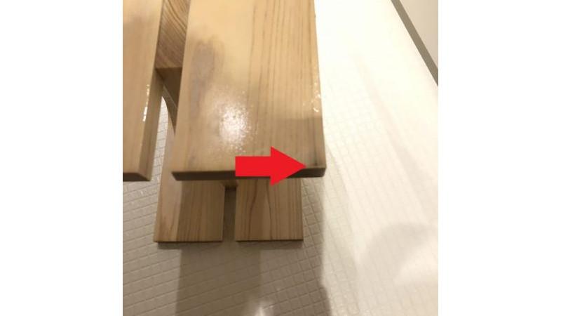 お風呂の壁や天井に木を張った場合やお風呂の木の椅子などカビが入らないの?  1年後の木のふろ椅子の追記写真などあり