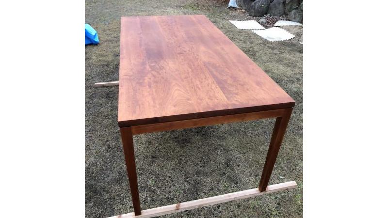 無垢のダイニングテーブル 天板に傷がついた時の直し方やメンテナンスの仕方