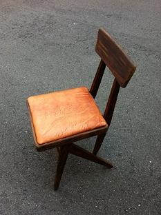 椅子革張り1