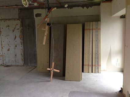 17 千里山・木のマンションリノベーションI様邸 木毛セメント板搬入