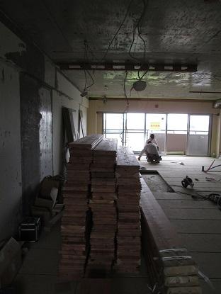 26 千里山・木のマンションリノベーションI様邸 乾式二重床施工
