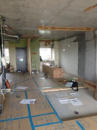 31 千里山・木のマンションリノベーションI様邸 吉野杉フロアー張り