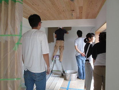 13 N様邸木のマンションリノベーション 左官塗り体験