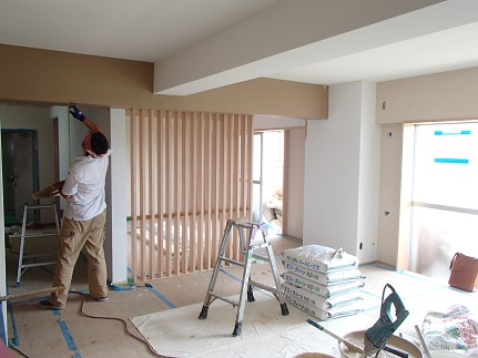 22 N様邸木のマンションリノベーション 左官塗り体験