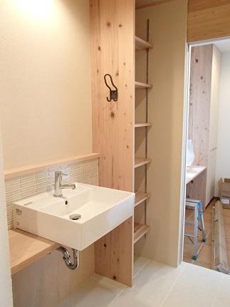 29 N様邸木のマンションリノベーション 洗面取付け