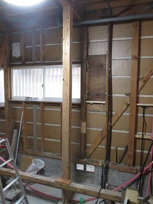 12 藏家の1階新事務所改装工事柱補強