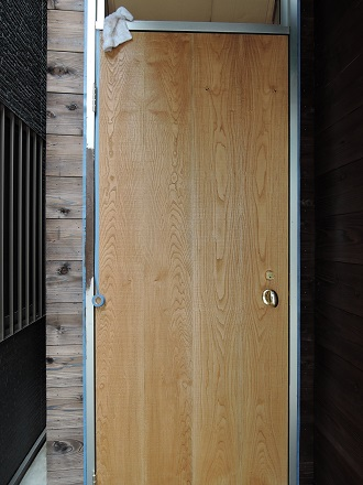 50 藏家新事務所玄関ドア枠塗装