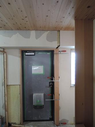 66 Y様邸マンションリノベーション工事 玄関枠