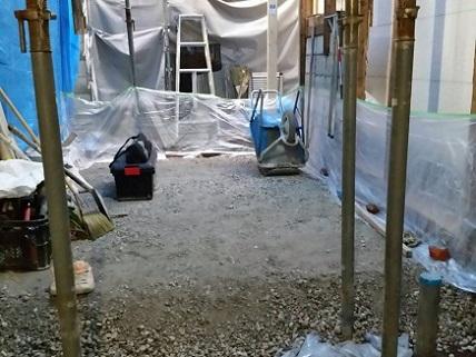 23  ビフォーアフター里井邸 基礎砕石敷き