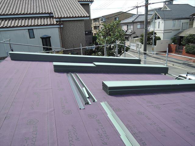 14 西宮H様邸木の家新築現場 屋根工事