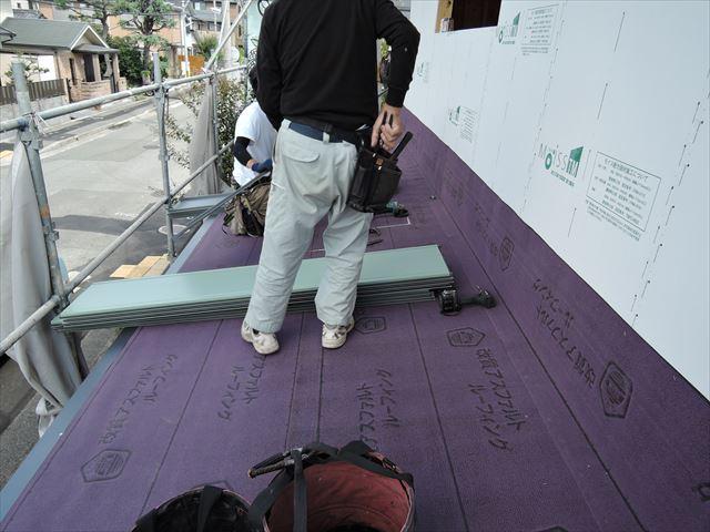 15 西宮H様邸木の家新築現場 屋根工事