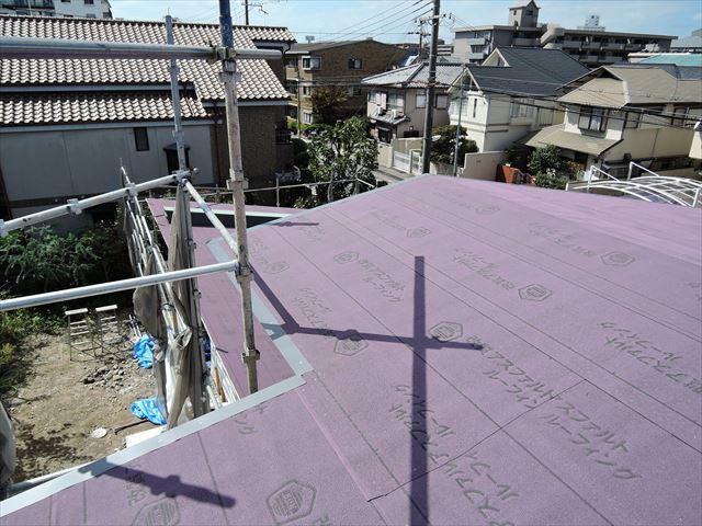 16 西宮H様邸木の家新築現場 屋根工事