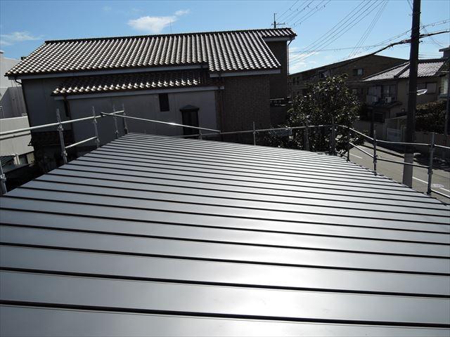 19 西宮H様邸木の家新築現場 屋根工事