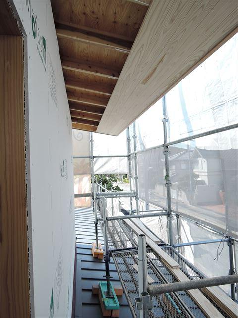 26 西宮H様邸木の家新築現場 大屋根軒天