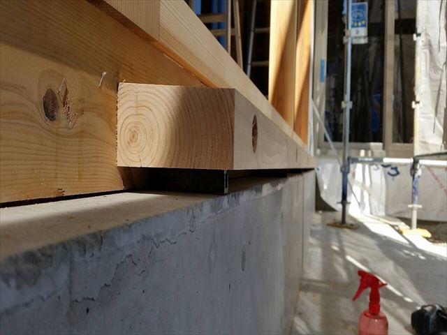 35 西宮H様邸木の家新築現場 掃き出し敷居