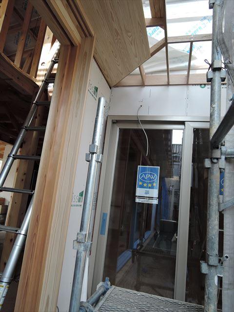 50 西宮H様邸木の家新築現場 掃き出し庇