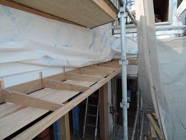 53 西宮H様邸木の家新築現場 掃き出し庇
