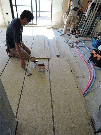 16 豊中T様邸木のマンションリノベーション 乾式二重床施工