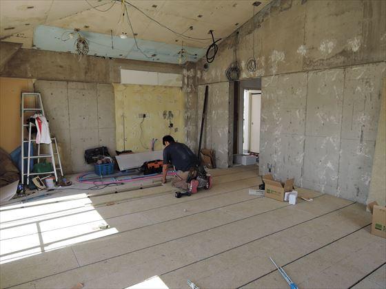 17 豊中T様邸木のマンションリノベーション 乾式二重床施工