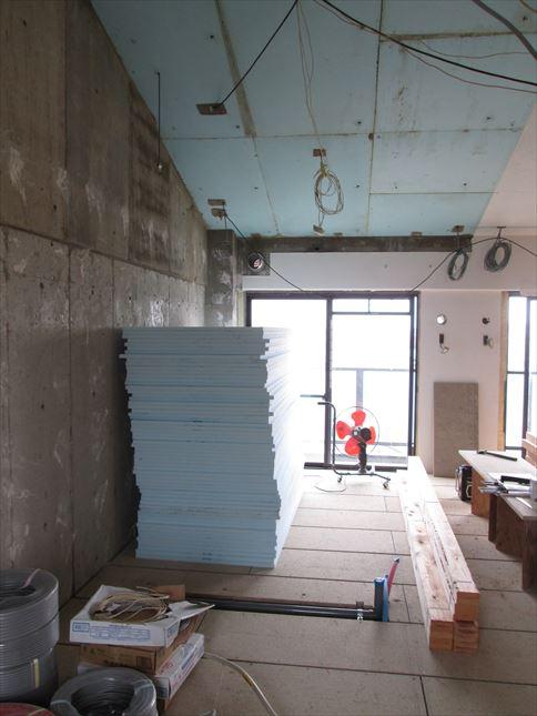 21 豊中T様邸木のマンションリノベーション 天井断熱材
