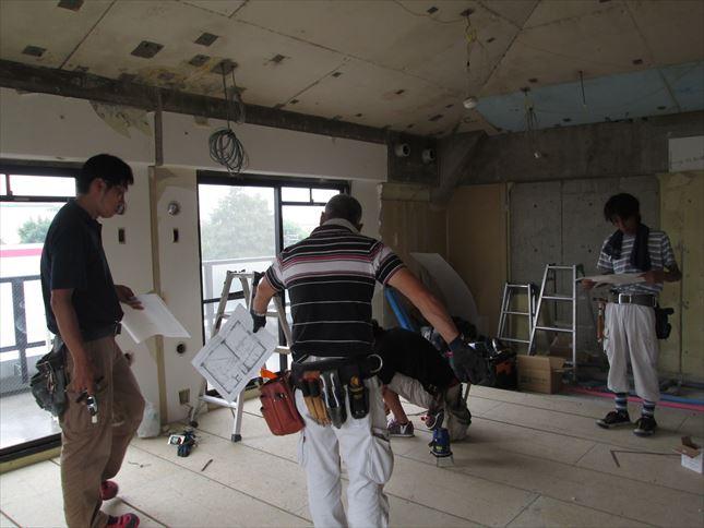 23 豊中T様邸木のマンションリノベーション 天井断熱材