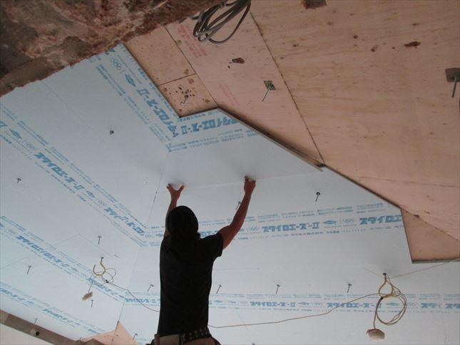 26 豊中T様邸木のマンションリノベーション 天井断熱材