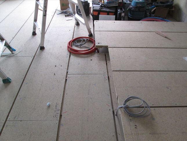 28 豊中T様邸木のマンションリノベーション 電気配線仕込み