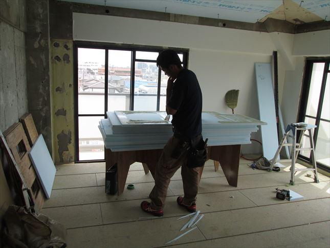 31 豊中T様邸木のマンションリノベーション 天井断熱材