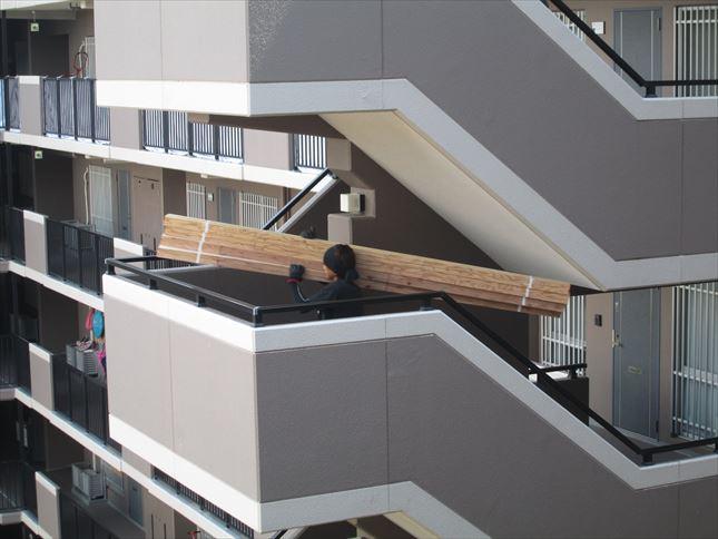 7 東三国のM様邸木のマンションリノベーション荷揚げ
