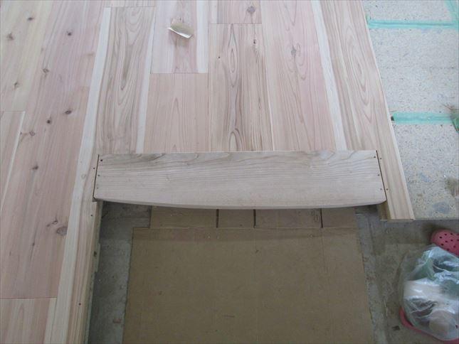 29 東三国のM様邸木のマンションリノベーション玄関框