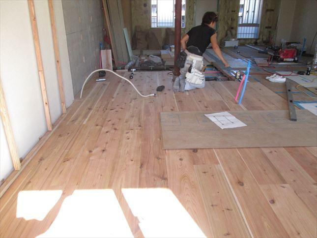 30 東三国のM様邸木のマンションリノベーション床はり
