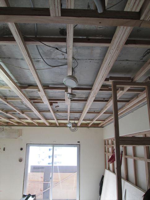 41 東三国のM様邸木のマンションリノベーション天井下地