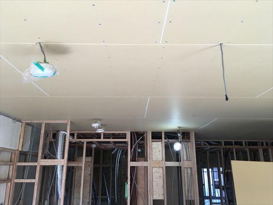 44 東三国のM様邸木のマンションリノベーション天井石膏ボード
