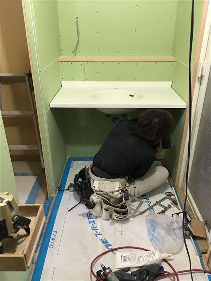 59 東三国のM様邸木のマンションリノベーション洗面カウンター施工