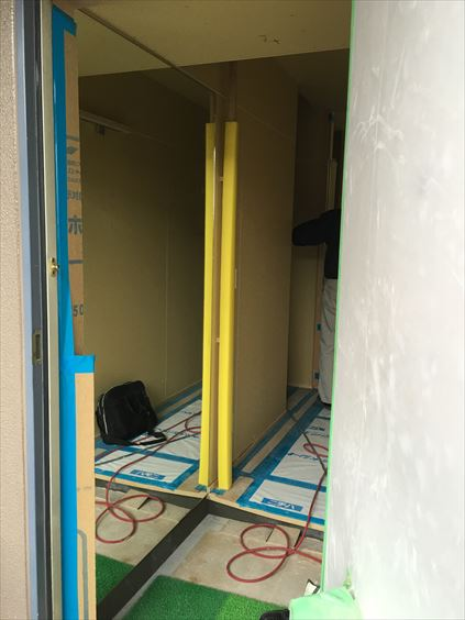 71 東三国のM様邸木のマンションリノベーション玄関鏡