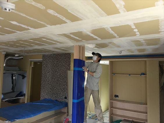 80 東三国のM様邸木のマンションリノベーション天井パテ