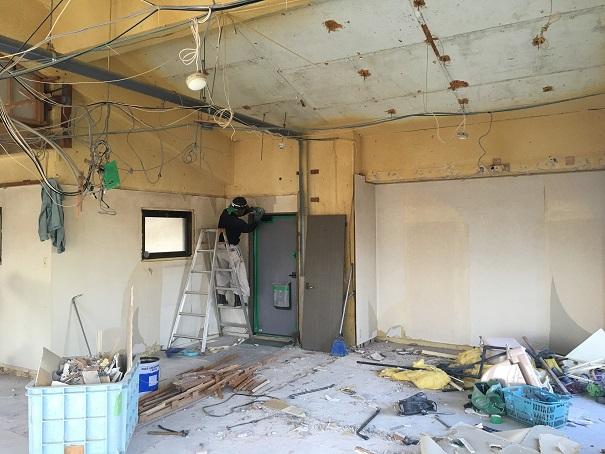 7  貝塚U様邸国産材を使用した木のマンションリノベーション 解体