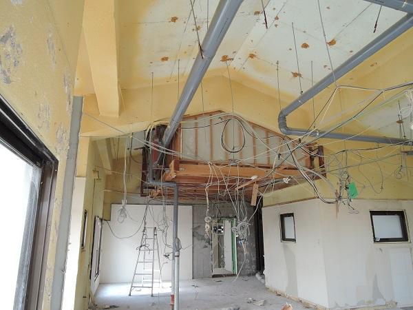 8  貝塚U様邸国産材を使用した木のマンションリノベーション 解体