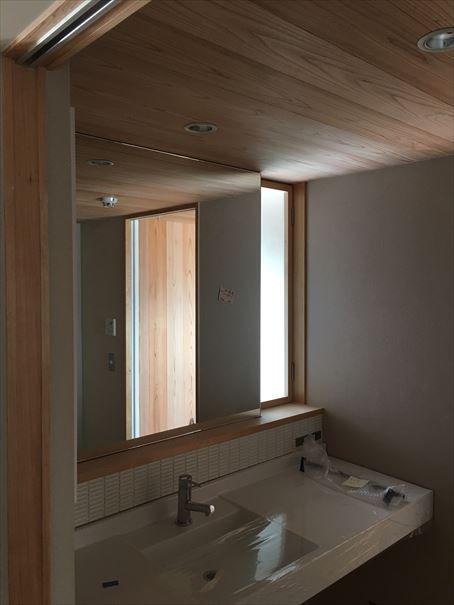 64 貝塚U様邸国産材を使用した木のマンションリノベーション 鏡工事_R