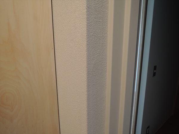 72 貝塚U様邸国産材を使用した木のマンションリノベーション 防火戸枠塗装_R